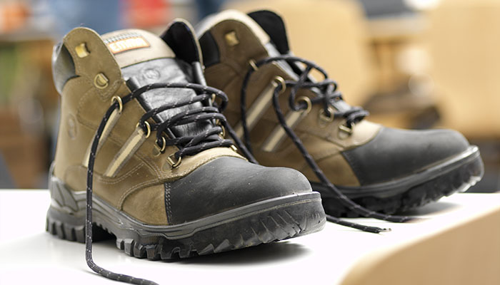 Expiration date standards safety footwear
